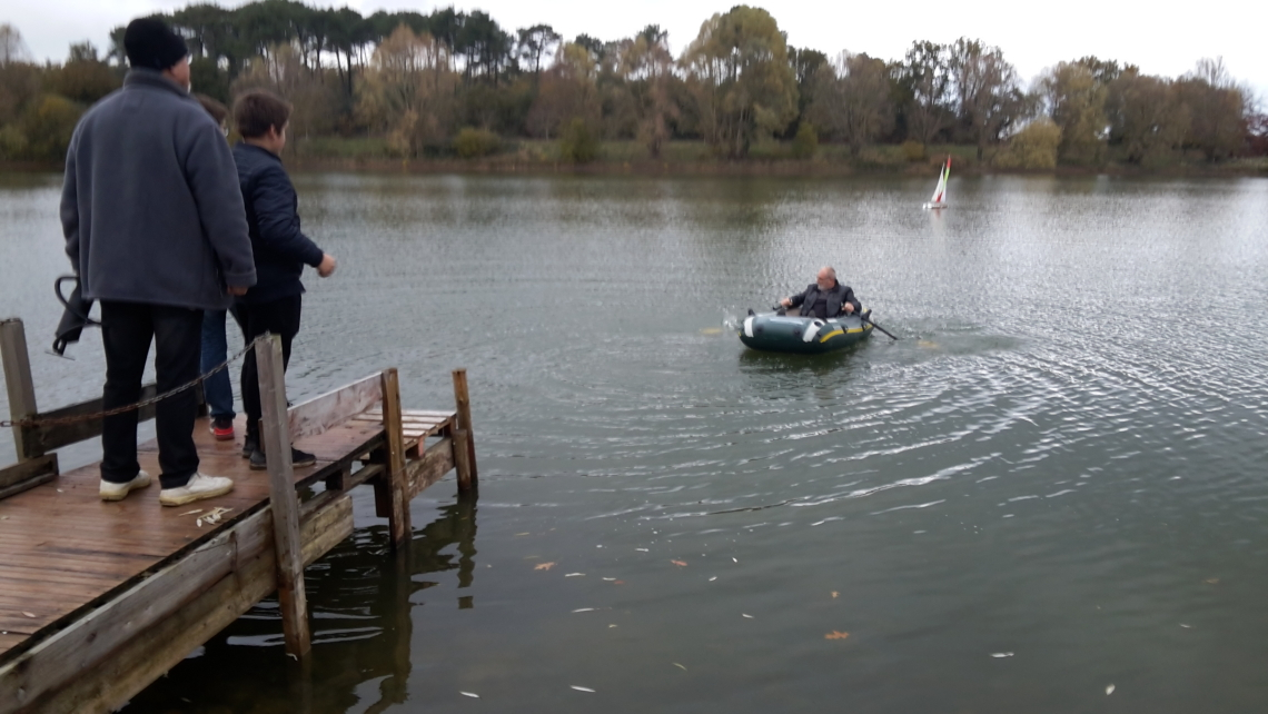 Gérard au sauvetage du voilier échoué